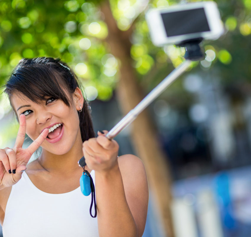 Selfiepinnen – nätdejtarens bästa vän