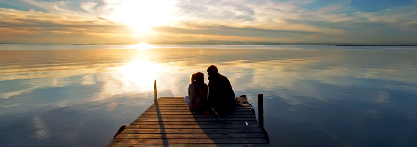 2. Åk och fiska. Lämna mobilerna hemma och åk till en mysig plats vid en sjö för att meta. Rogivande och mycket tid för samtal.