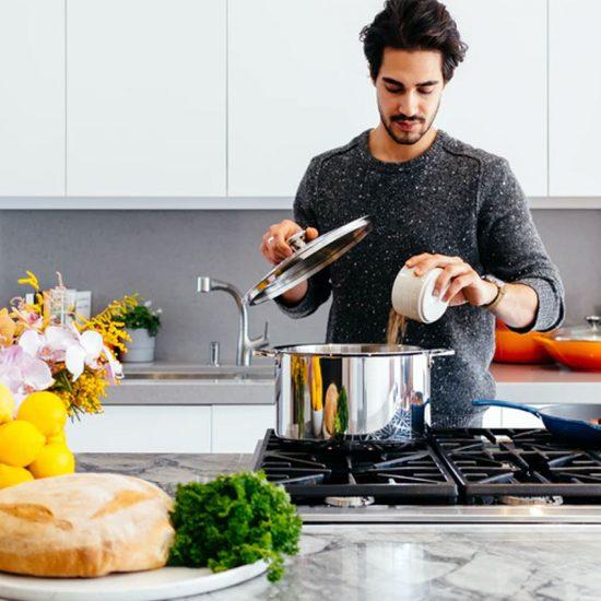 Laga mat till dejten – allt du behöver tänka på